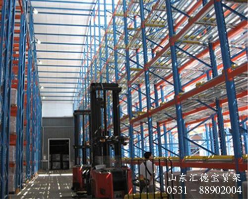 货架使用注意事项:重型货架安装时之间要保留距离